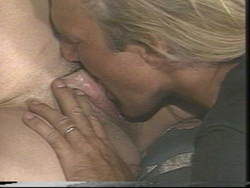 Serpientes en un video plano de escena de sexo